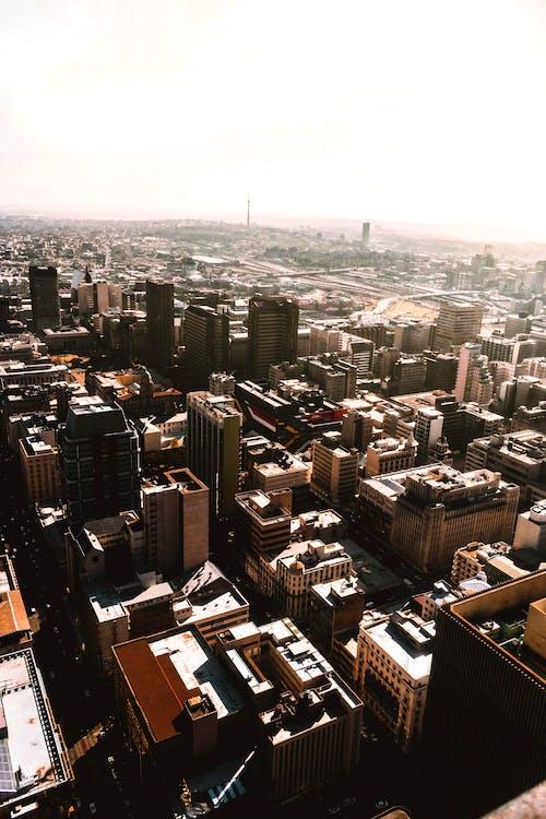 Foto profissional grátis de aerofotografia, água, centro da cidade, cidade