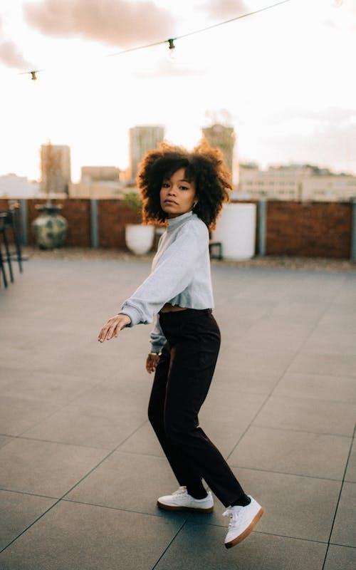 Foto profissional grátis de adulto, ativo, cidade, dança