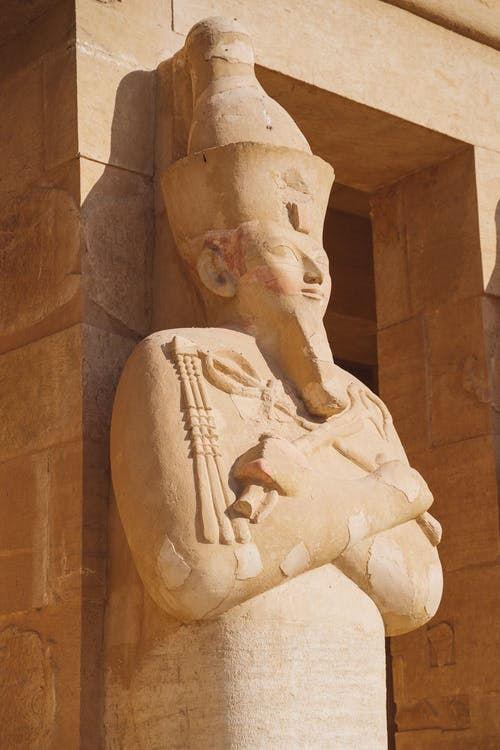 cairo, Археологія, Денне світло