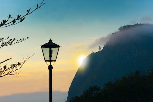 Kostnadsfri bild av berg, destination, dimma, gryning