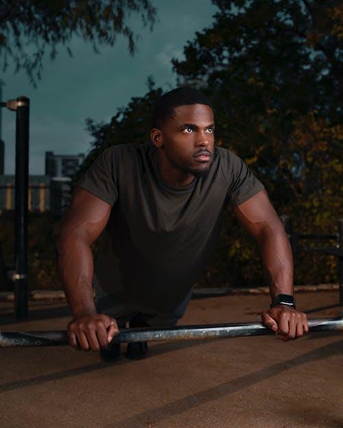Immagine gratuita di esercizio, fitness, forza, muscoloso