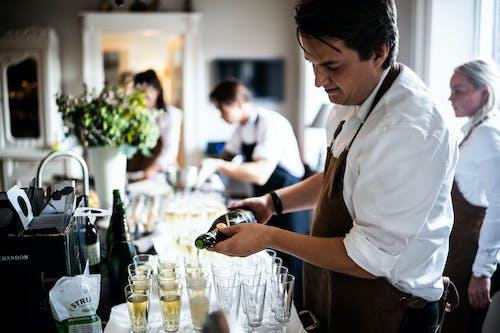 Ingyenes stockfotó beltéri, bor, borospoharak, buli témában