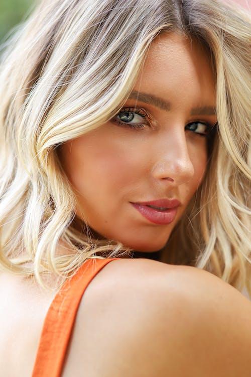 Kostenloses Stock Foto zu attraktiv, blond, charmant, fotoshooting