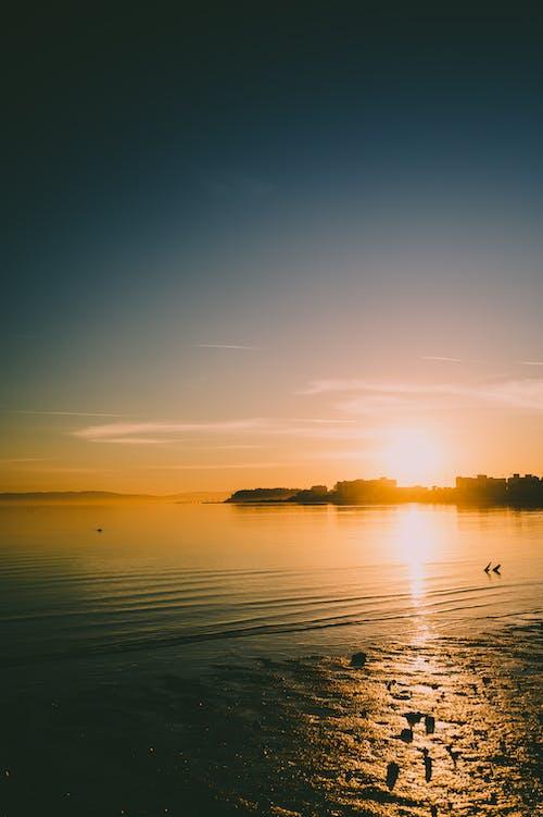 Ilmainen kuvapankkikuva tunnisteilla aamu, auringonlasku, auringonnousu, auringonsäde