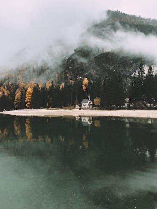 Безкоштовне стокове фото на тему «відображення, вода, гора, Денне світло»