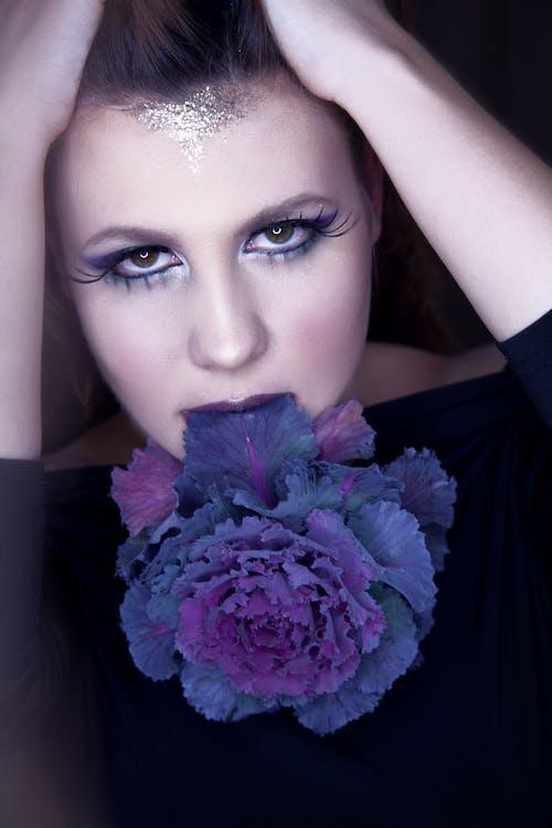 時裝模特兒, 漂亮, 睫毛, 紫羅蘭 的 免费素材照片