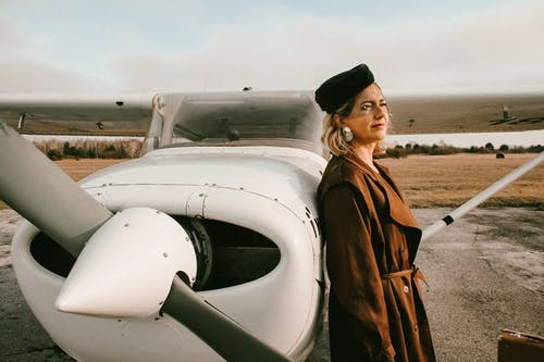 Photos gratuites de ailes, aviation, avion, cheveux blonds