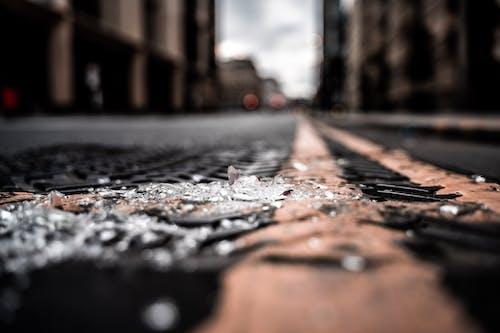 Photos gratuites de asphalte, brouiller, chaussée, citadin