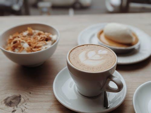 Gratis lagerfoto af budding, café, cappuccino, dagslys