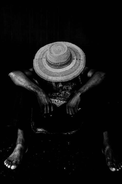 Photo De Personne Portant Un Chapeau De Soleil