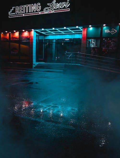 Gratis lagerfoto af aften, arkitektur, belyst, butik