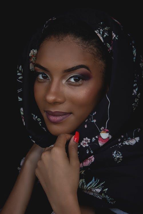 Photo Of Woman Wearing Headscraf