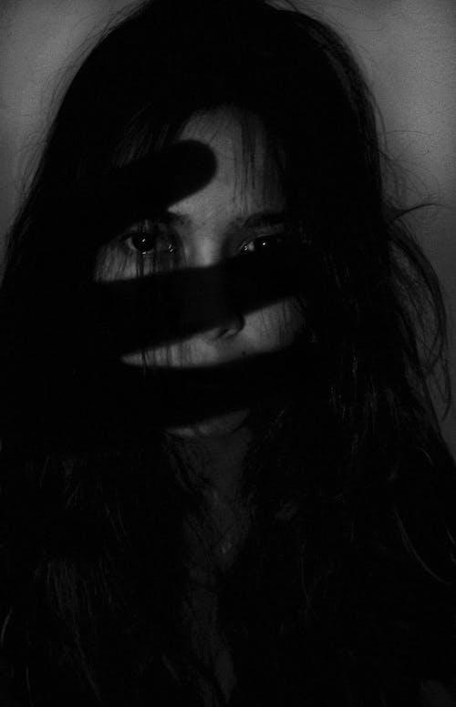 คลังภาพถ่ายฟรี ของ กลัว, การมอง, ขน, ขาวดำ
