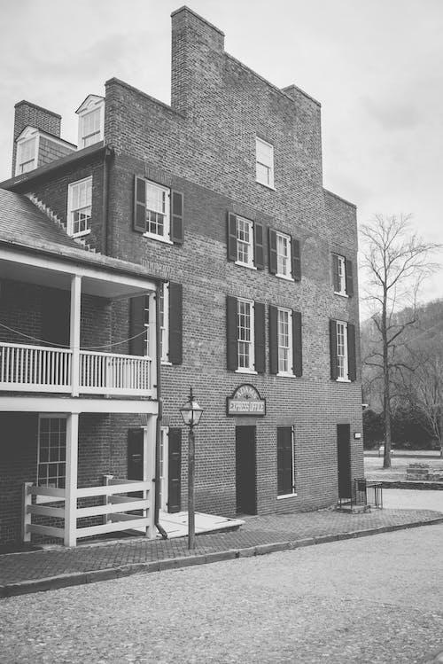 Photos gratuites de architecture, balcon, bâtiment, brique
