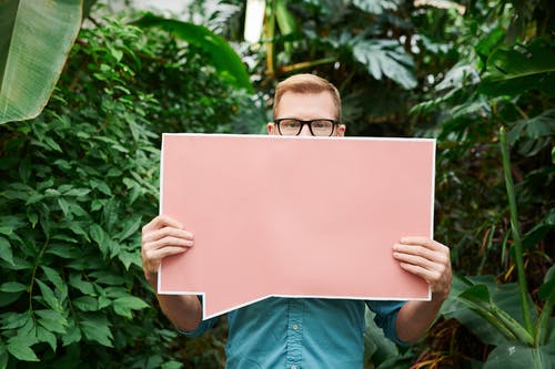 Бесплатное стоковое фото с copy space, Взрослый, вывески, держать