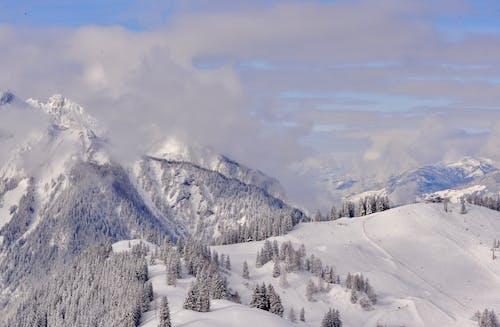 Foto stok gratis awan, gunung, gunung bersalju, langit biru
