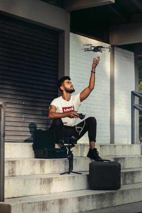 Ảnh lưu trữ miễn phí về cầu thang, Đàn ông, điều khiển drone, dụng cụ
