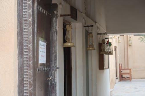 bur dubai, fanoos, 光, 古罗马建筑 的 免费素材照片