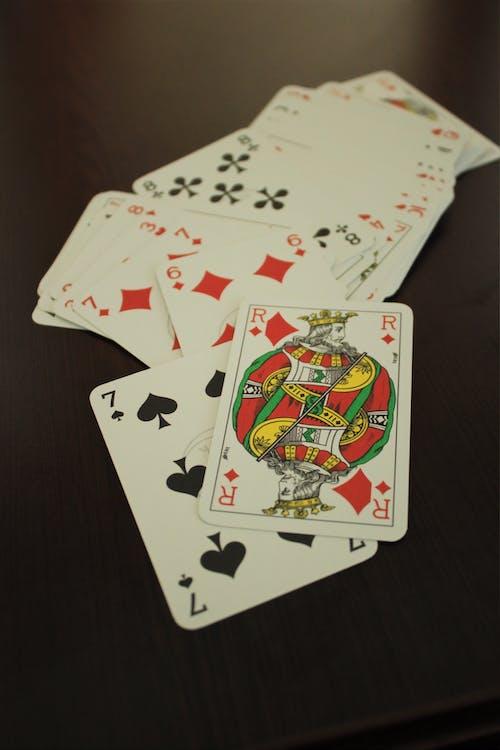 Základová fotografie zdarma na téma balíček karet, gamblerství, hazard, hra