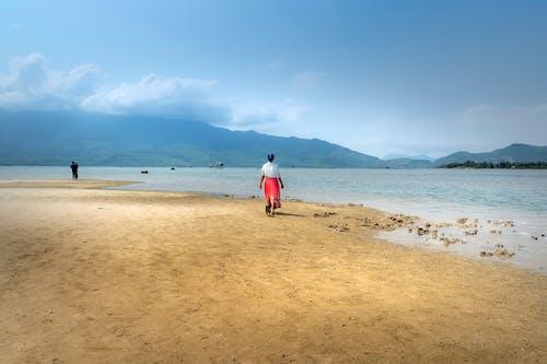 Photos gratuites de bord de l'océan, bord de mer, gens, idyllique