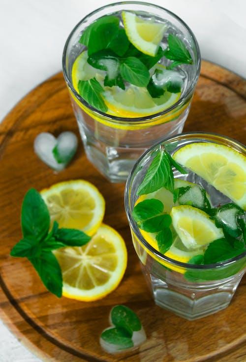 Fotos de stock gratuitas de bandeja, beber, frío, gafas