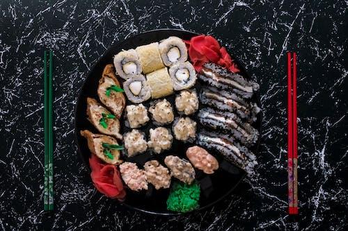 Fotos de stock gratuitas de васаби, еда, палочки, ролы