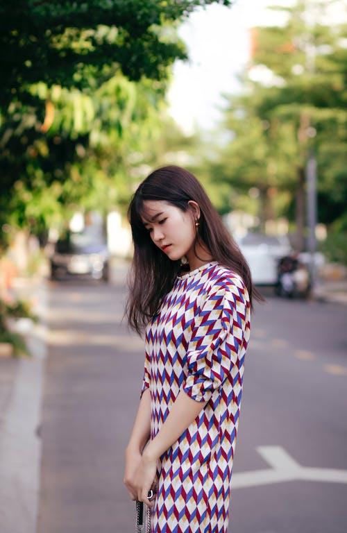 Immagine gratuita di abito, bellissimo, capelli scuri, carino