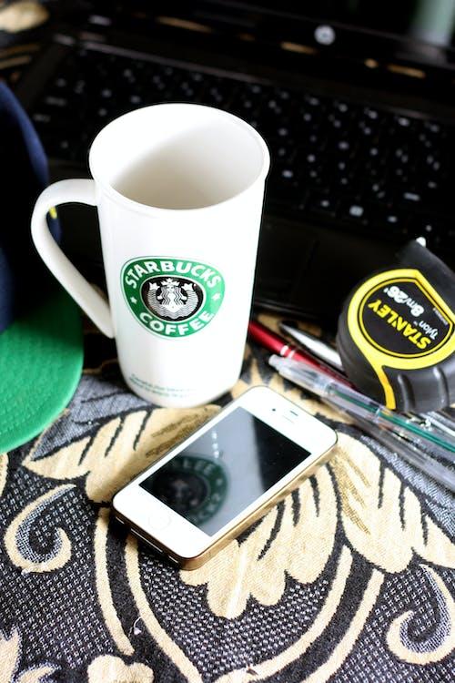 反射, 咖啡, 技術, 持械搶劫 的 免费素材照片