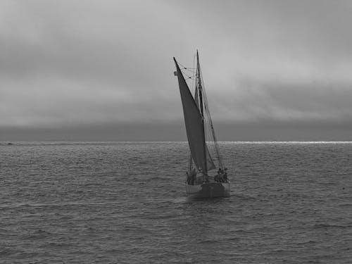Darmowe zdjęcie z galerii z ancien, bateau, mer, orage