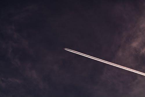 Бесплатное стоковое фото с следы самолета