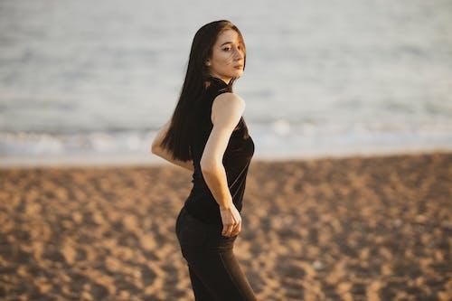 Foto profissional grátis de areia, atraente, beleza, bonita