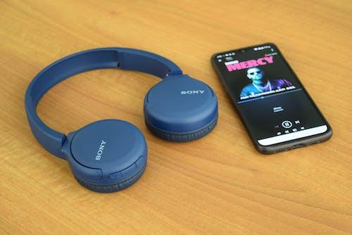 kulaklık, kulaklıklar, müzik, sony içeren Ücretsiz stok fotoğraf