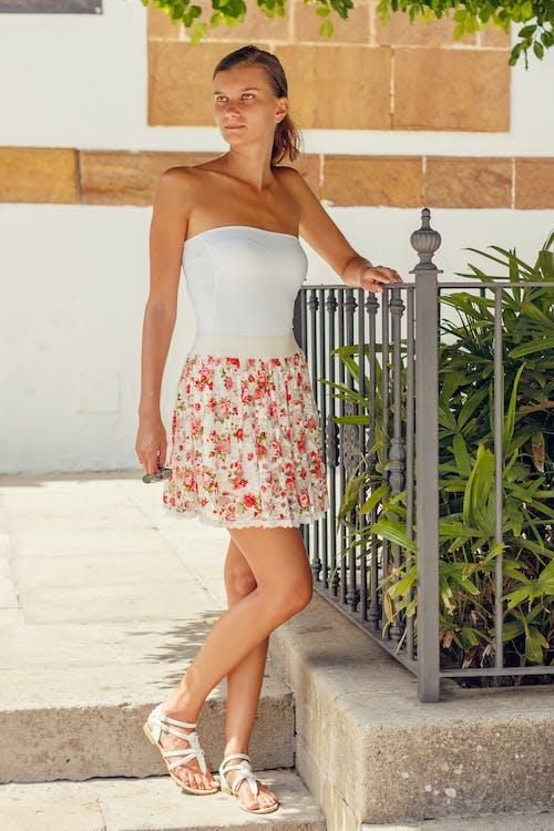 Kostenloses Stock Foto zu dame, fashion, frau, informell