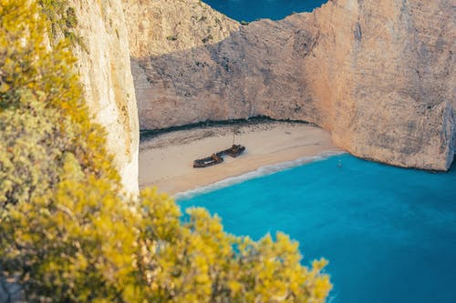 Fotobanka sbezplatnými fotkami na tému denné svetlo, hora, krajina, krajina pri mori