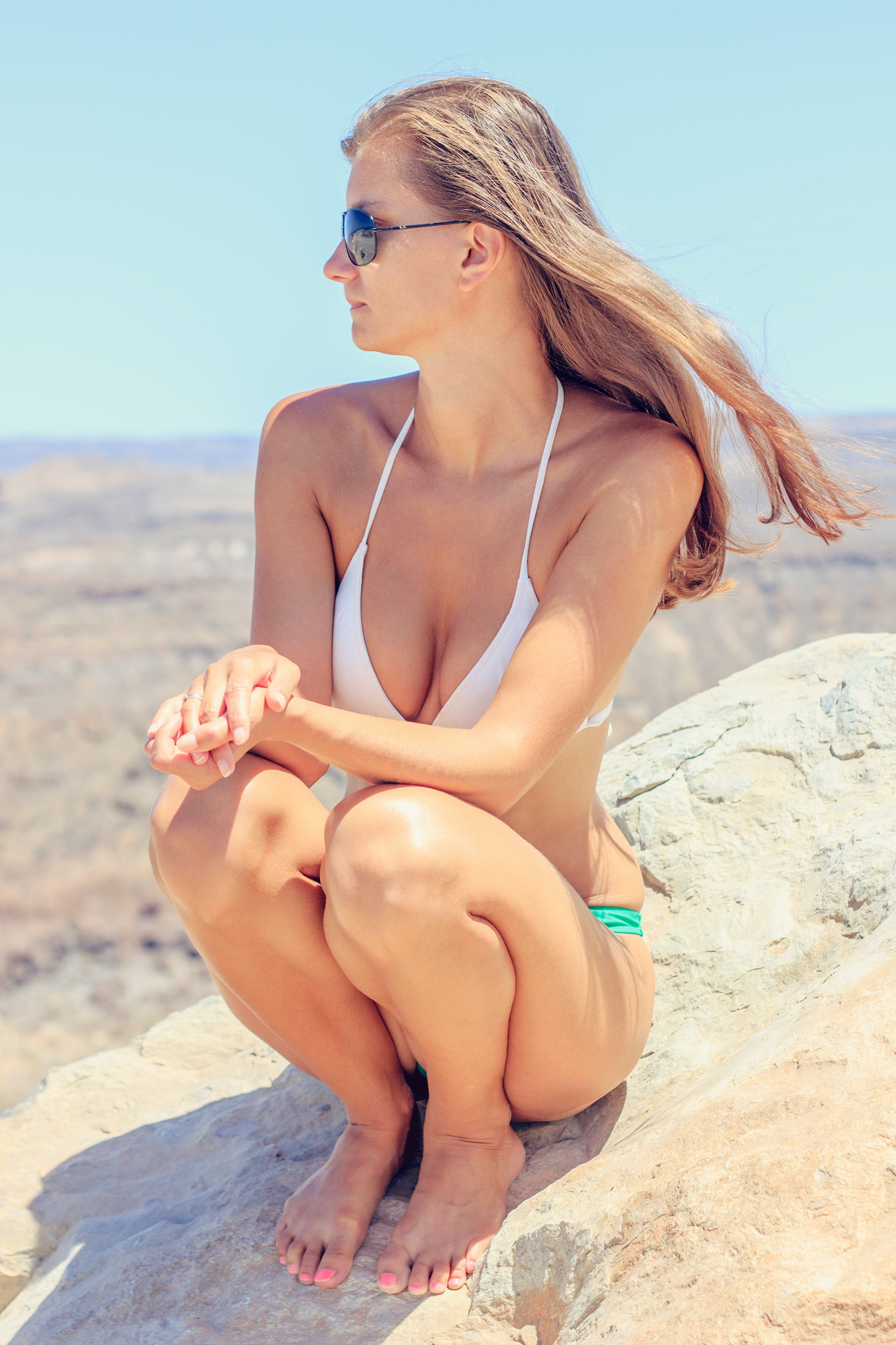 zu badeanzug, bikini, blondes haar, felsen