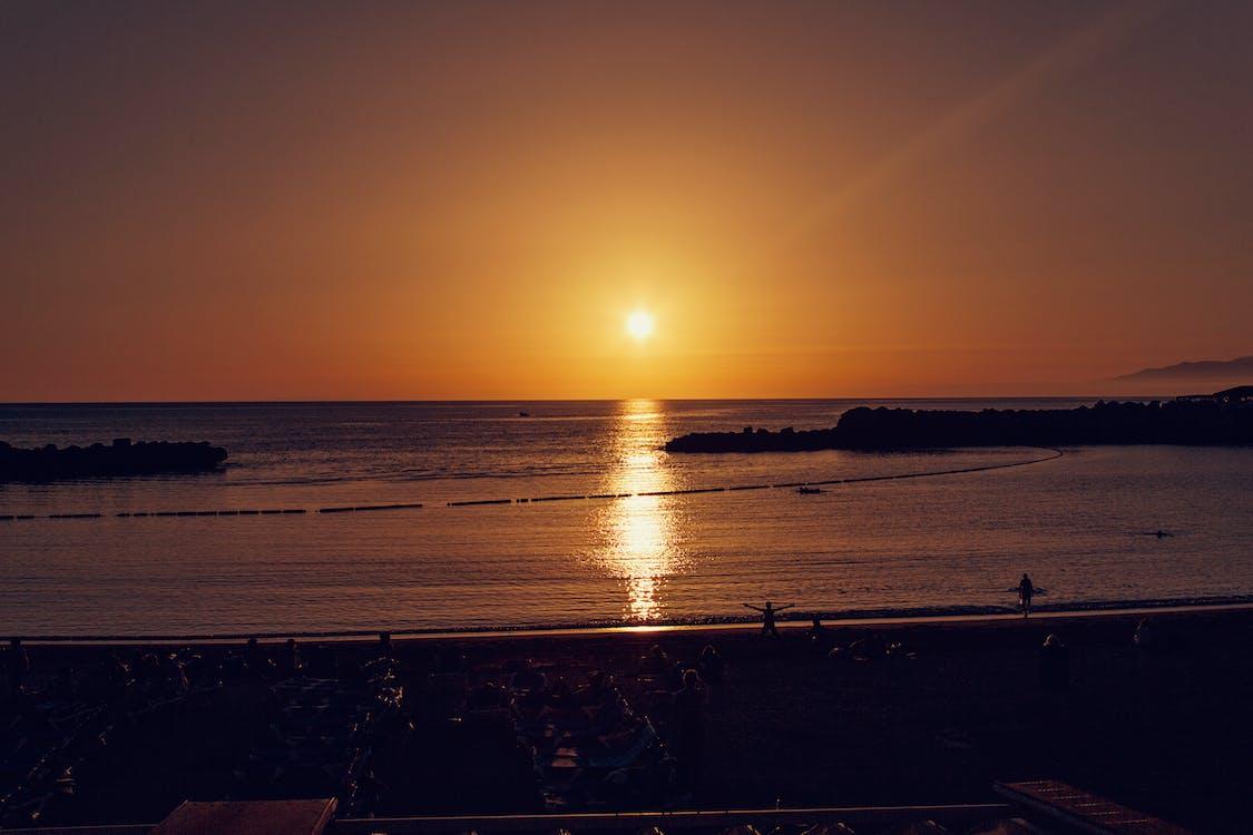 берег моря, вечір, відображення