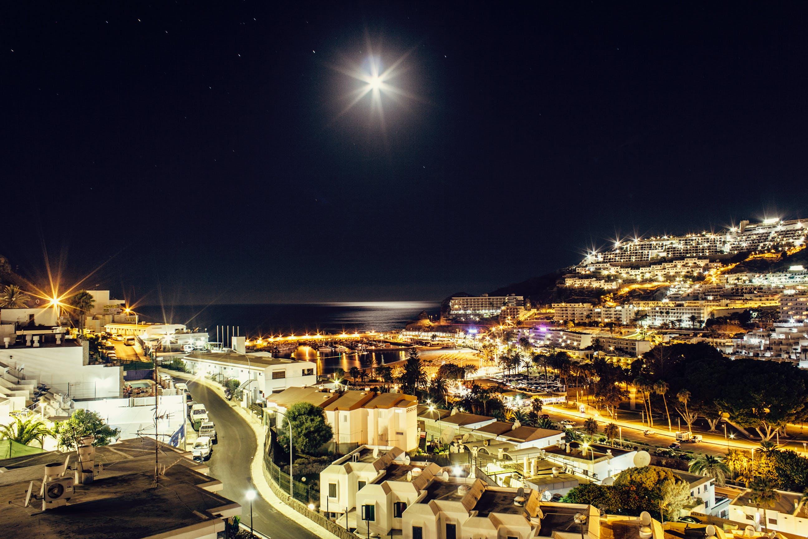 Ảnh lưu trữ miễn phí về ánh sáng, ánh trăng, ánh đèn thành phố, bầu trời đầy sao