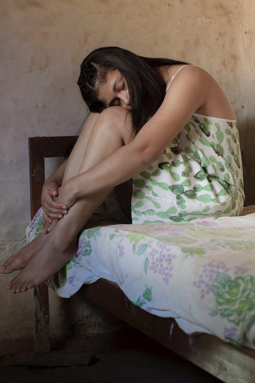 20〜25歳の女性, うつ病, 肖像画の無料の写真素材