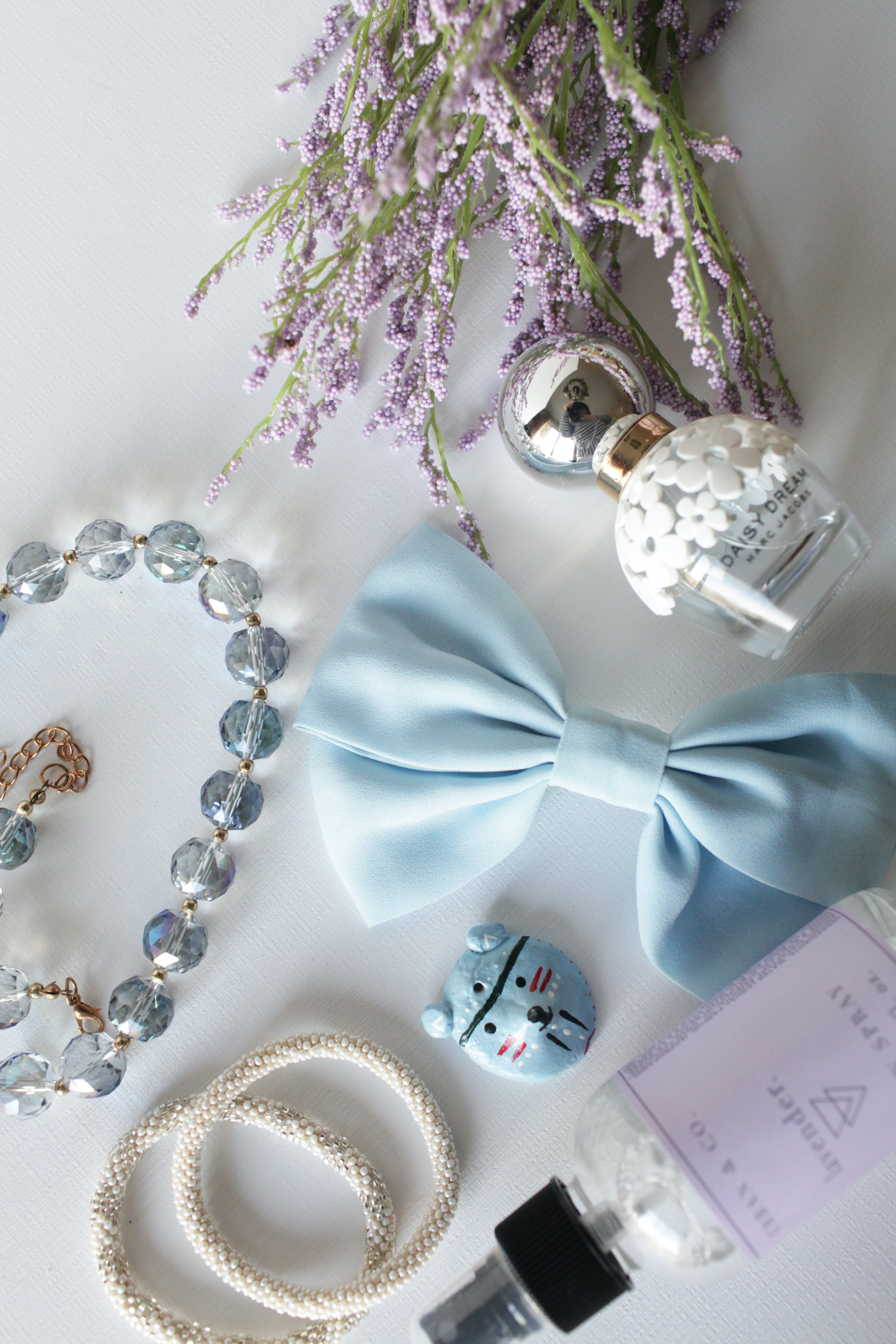 accessories, beads, bow
