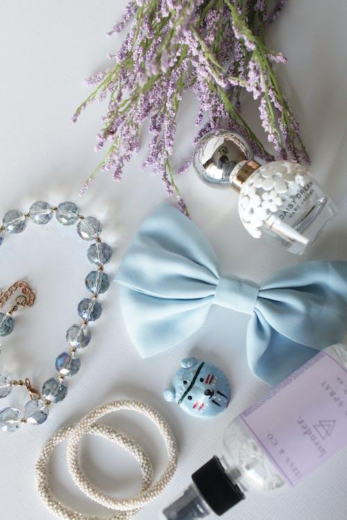 Foto stok gratis aksesori, bunga lavender, busur, flatlay