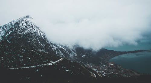 Δωρεάν στοκ φωτογραφιών με βουνό, γραφικός, θάλασσα, κρύο