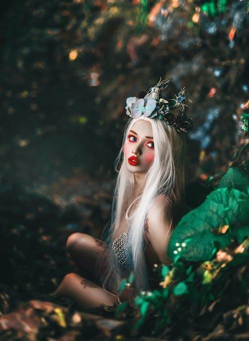 bakmak, cadılar bayramı, cazibe, çiçekler kızın içeren Ücretsiz stok fotoğraf
