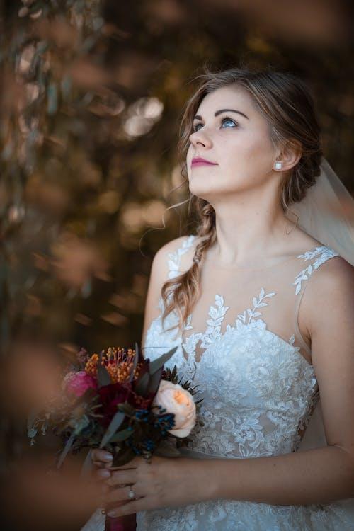 Immagine gratuita di abito, bellezza, bellissimo, bouquet