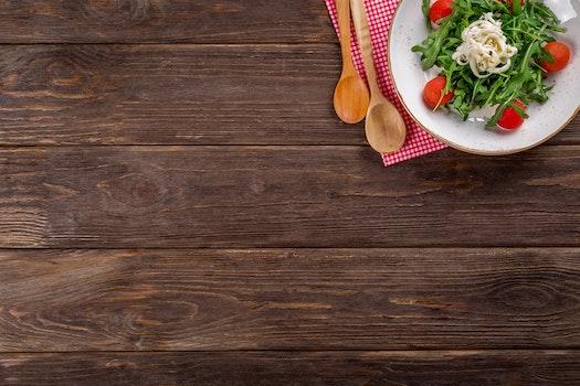 Kostenloses Stock Foto zu essen, teller, gesund, holz