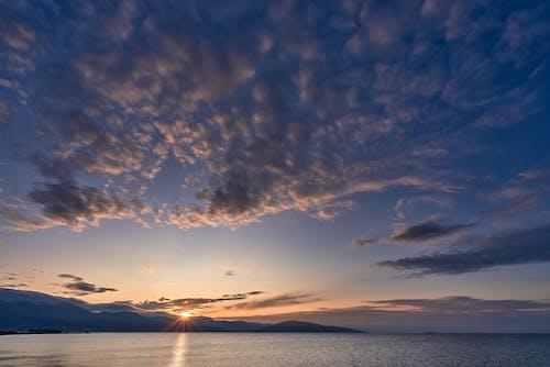 Darmowe zdjęcie z galerii z błękitne góry, morze czarne, nad morzem, poranne słońce