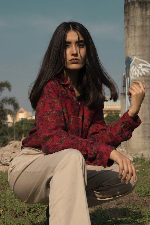 インド人, きれいな女性, ブルネット, ポージングの無料の写真素材