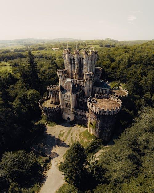 Kostenloses Stock Foto zu alt, architektur, baskisch, bäume