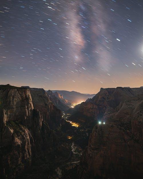 Δωρεάν στοκ φωτογραφιών με rocky mountains, απόγευμα, αστέρια, αστέρια