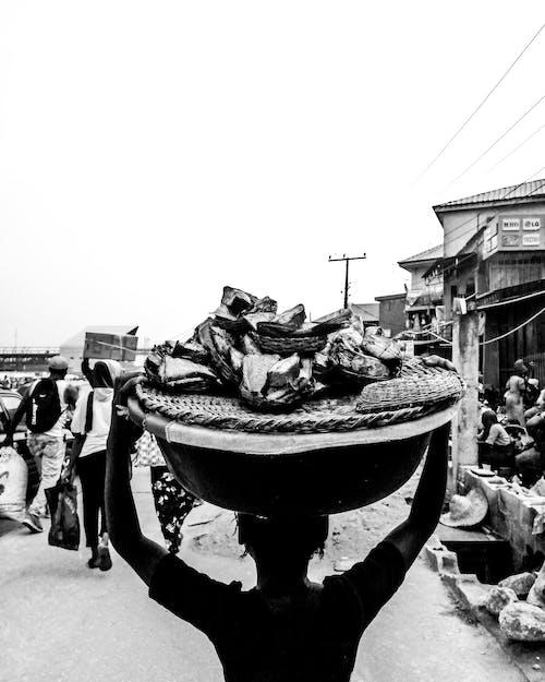afrikalı kız, çocuk, siyah beyaz, siyah beyaz fotoğraf içeren Ücretsiz stok fotoğraf