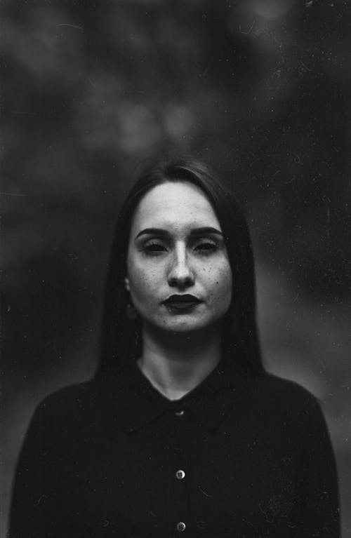 Portrait of A Woman In Grayscale Photography